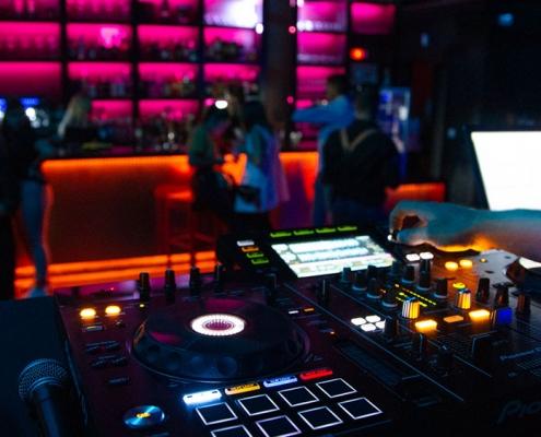 Decó Bormujos |música en directo DJ